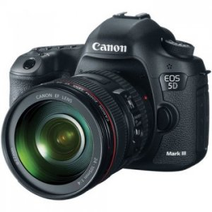 Canon EOS 5D Mark III DSLR Camera with 24-105mm f/4L Lens